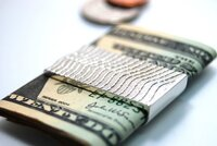 Начало трудной недели отечественного долгового рынка