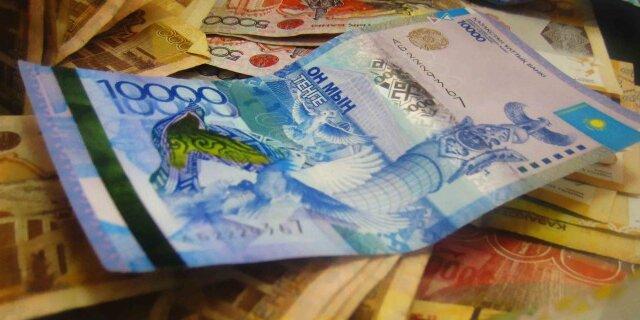 ЦБ Казахстана ожидает девальвацию тенге