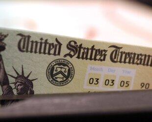 Зачем Россия снова вложилась в госдолг США?