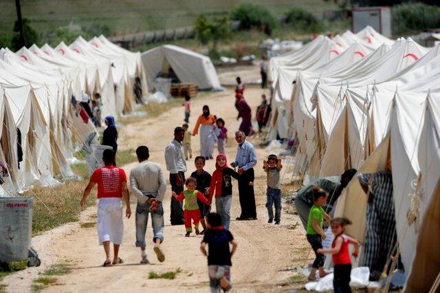 Глава МВД Германии: Мы не можем принять всех беженцев