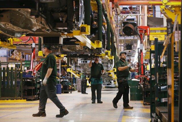 Падение промпроизводства Британии достигло максимума