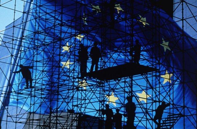 PMI еврозоны опустился до минимума за год