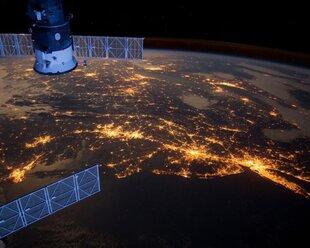Украина хочет взимать плату за пролет спутников РФ
