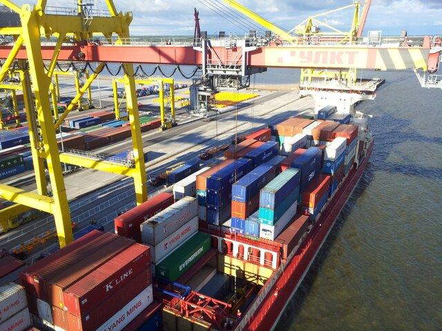 Профицит внешней торговли Белоруссии снизился за 2 месяца в 6,5 раз