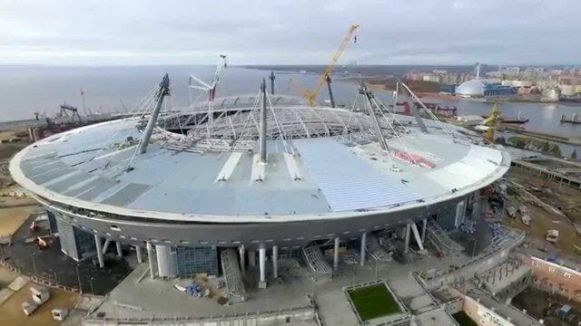 """Власти Петербурга заявили, что достроить стадион """"Зенит-Арену"""" невозможно.. без дополнительного распила"""