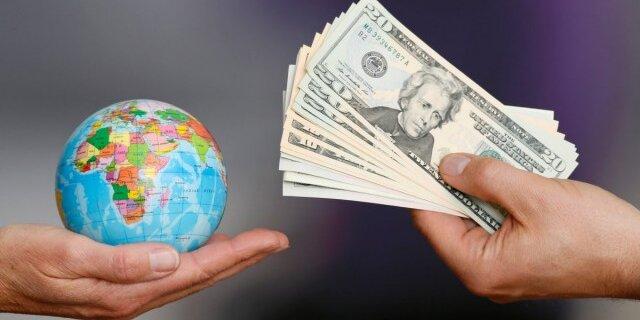 Количественное смягчение вызывает торговые войны?