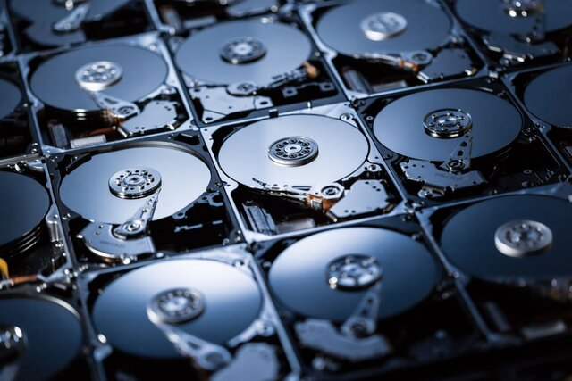 «ОПК» выпустит нарынок первые русские системы хранения данных «Эльбрус»