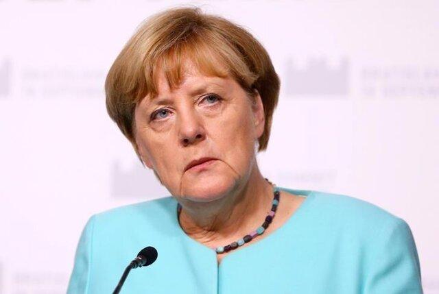 Меркель нежелает вводить предел намигрантов, абудет снижать ихколичество