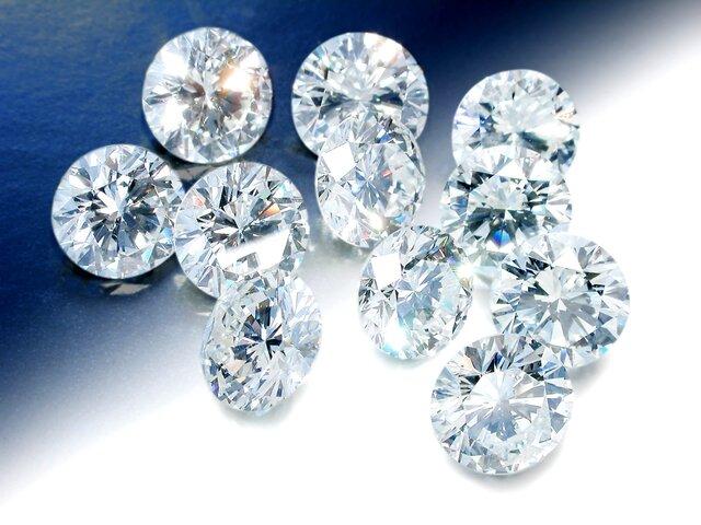 «Алроса» продала вначале осени алмазов ибриллиантов на $454 млн