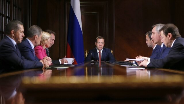Медведев раскритиковал надзорные органы закоррумпированность игромоздкость