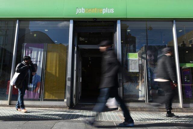 Безработица вАнглии упала до11-летнего минимума