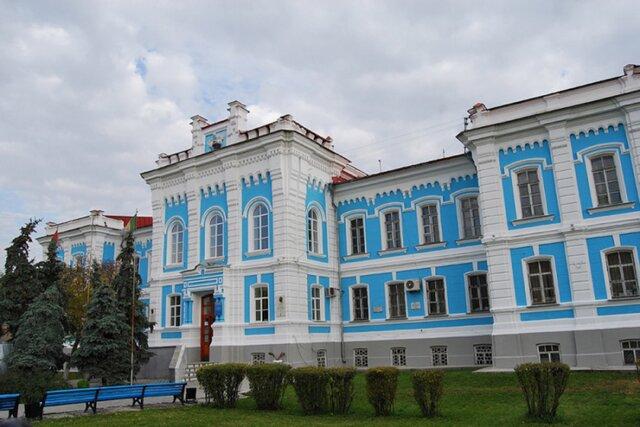 Рособрнадзор запретил набор студентов в 4 университета