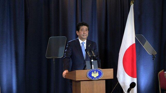 Японский премьер Абэ рассчитывает удостоверить Трампа неотказываться отТТП