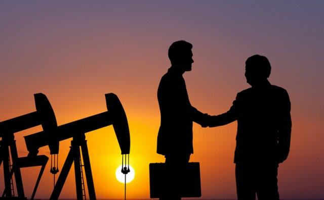 Эр-Рияд проинформировал своим клиентам осокращении поставок нефти