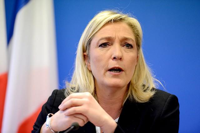 Марин Ле Пен обещает вернуть франк