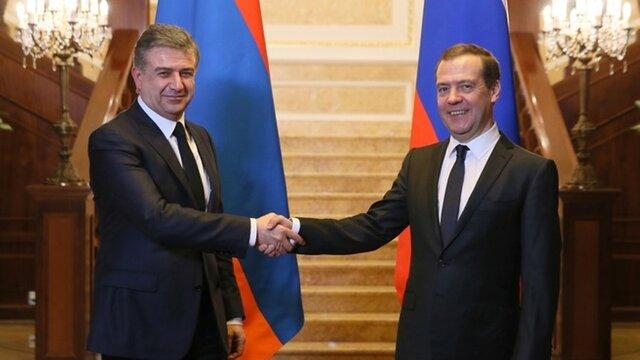 Россиянам разрешили заезд вАрмению повнутренним паспортам