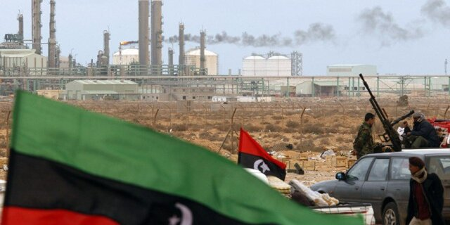 Нефть дешевеет наданных поувеличению числа буровых установок вСША