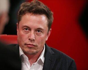 Элон Маск: без слияния с машинами люди бесполезны