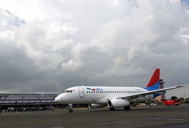 Иран купит у РФ 12 самолетов Superjet 100