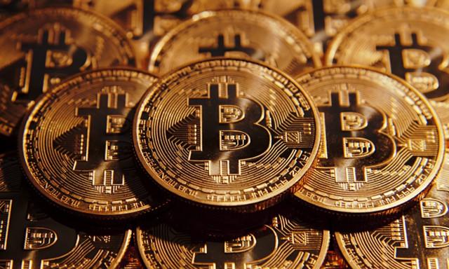 2018 инвестировать в криптовалюту ли стоит в-19
