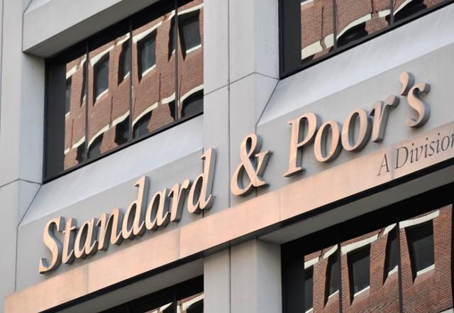 S&P: санкции Украины не скажутся на госбанках в РФ
