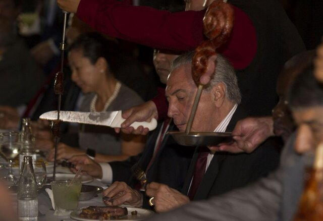 Некачественное итухлое мясо непоставлялось наэкспортные рынки— Президент Бразилии