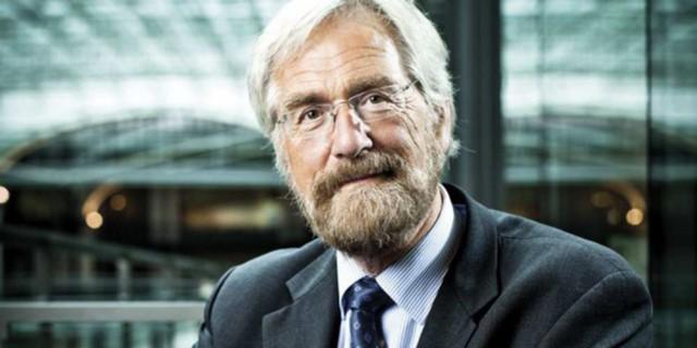 Прат: ЕЦБ должен придерживаться мягкой политики