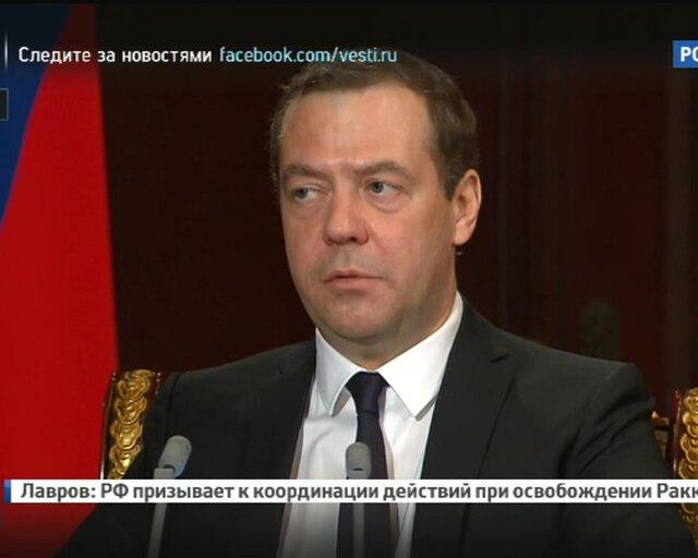 Медведев заверил новые правила для начинающих водителей