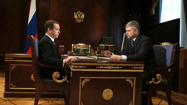 Медведев поручил РЖД отвезти школьников на курорты