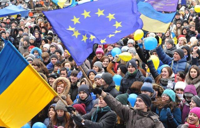 Украина засекретила документы позаочному аресту Яценюка вРФ