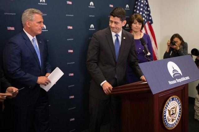 Конгресс США одобрил временный бюджет