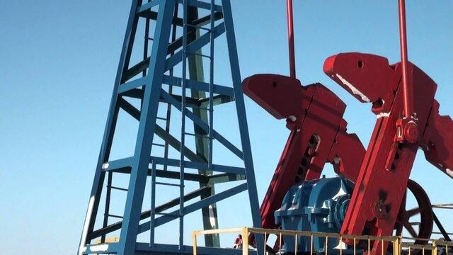 Добыча нефти вРФ подросла  на0,8% ссамого начала  2017г.