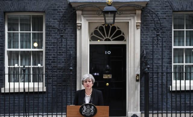 Теракт в Британии станет испытанием лидерства Мэй