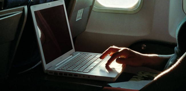 Немцы ждут убытков из-за запрета ноутбуков на борту