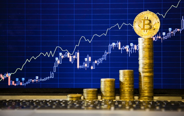 Лихорадка на рынке криптовалют: Bitcoin выше $2500