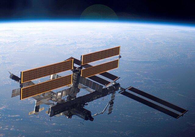 Роскосмос: Наповерхности МКС могут быть следы внеземной жизни