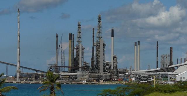 Венесуэла хотела продавать нефть из Сирии в США