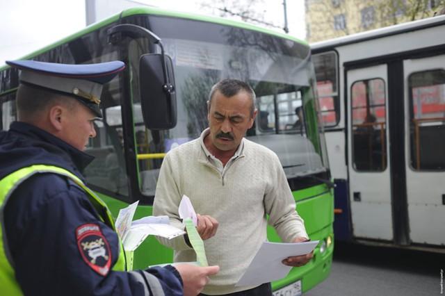С 1 июня иностранные права не позволят работать в РФ