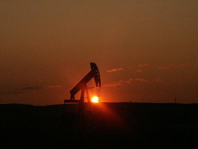 Хедж-фонды снова поверили в нефть. Почему?