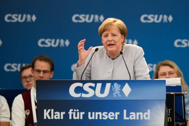 Меркель: Европа должна взять судьбу в свои руки