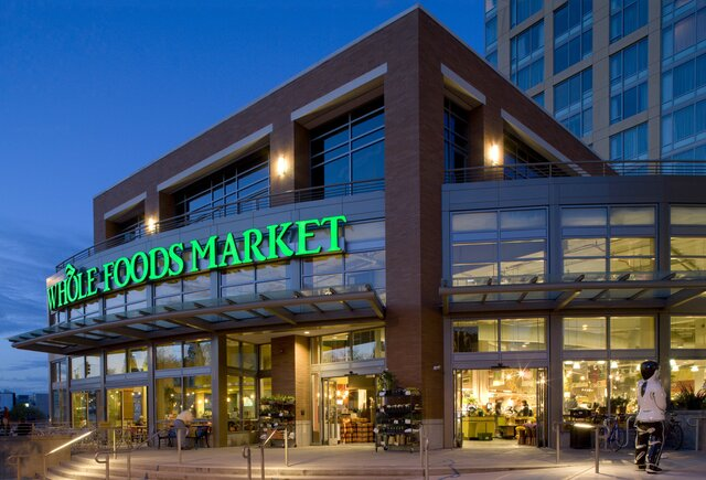 Amazon купит супермаркеты отменного питания Whole Foods за $13,7 млрд