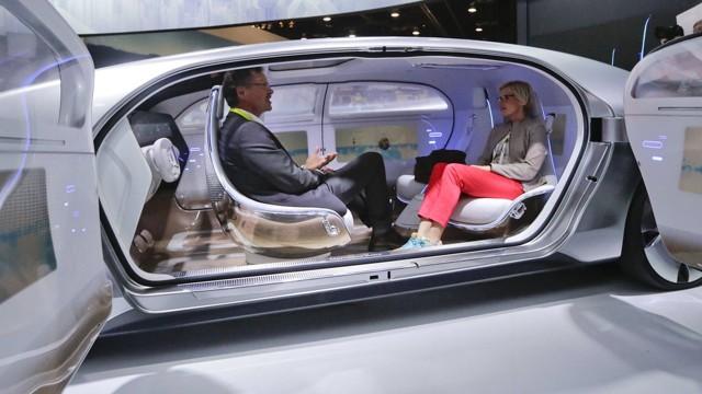 Самоуправляемые автомобили появятся лишь к 2040 году