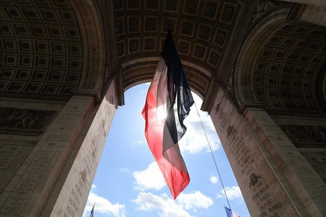 Оценка роста ВВП Франции повышена до 0,5%