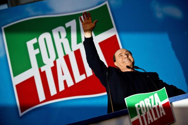 """Берлускони рвется во власть вместе с """"правыми"""""""