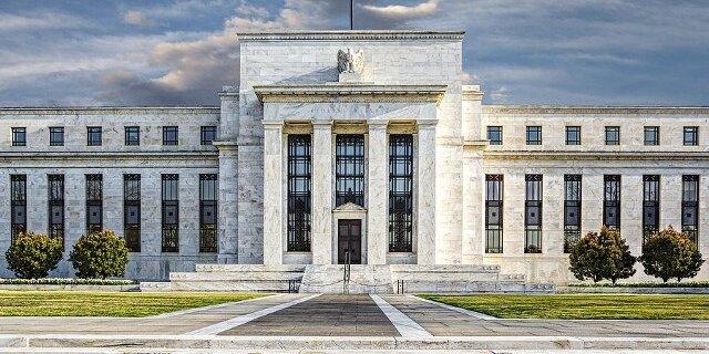 ФРС может затормозить восстановление экономики