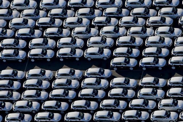 В GM понизили прогноз продаж автомобилей в США