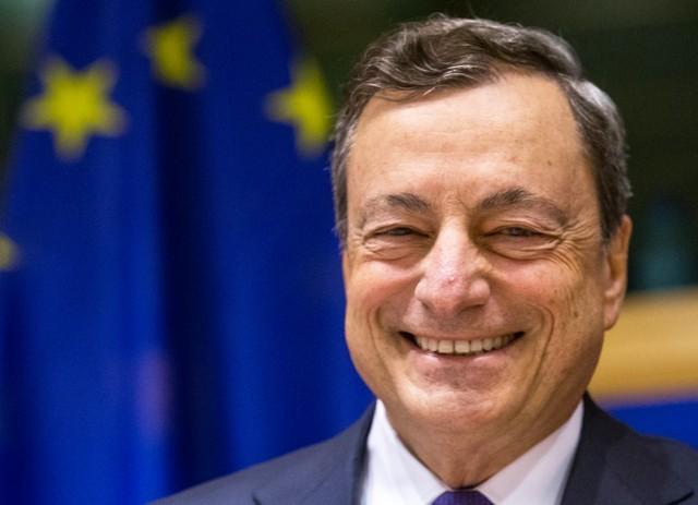 Евро вырос почти на 1% на заявлениях главы ЕЦБ