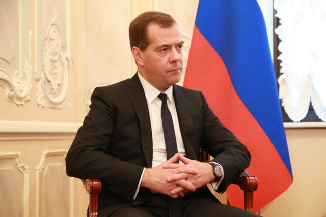 Медведев: бюджет-2018 подготовлен с учетом санкций