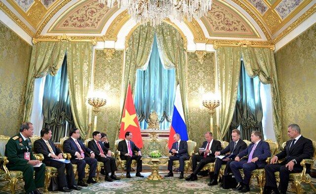 Россия и Вьетнам подписали контракты на $10 млрд