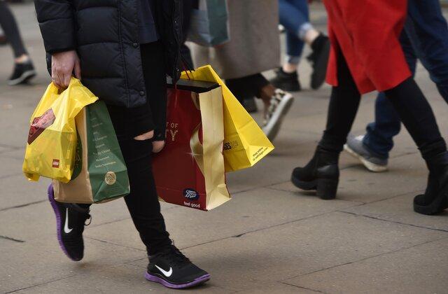 Розничные продажи в Англии возросли сильнее прогноза